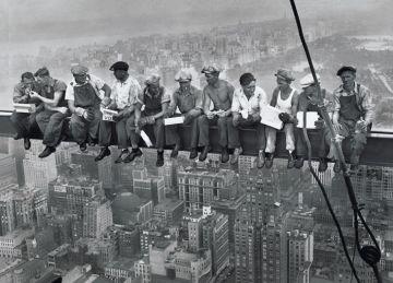 NEW YORK MEN ON GIRDER